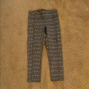 NWOT lucy crop Capri leggings xs